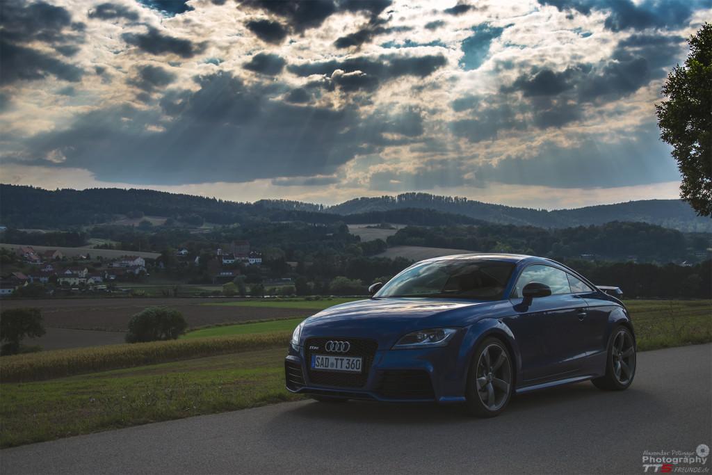 Audi TTRS Sepangblau