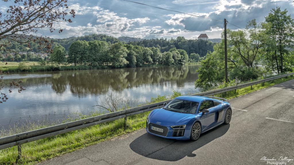 Audi R8 Arablue