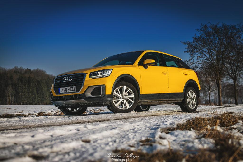 Audi Q2 vegasgelb im Schnee