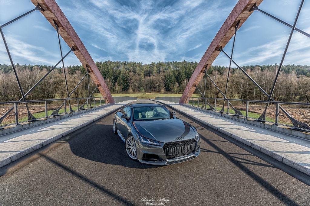 Audi TT Daytonagrau perleffekt